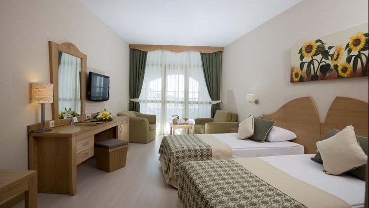 Limak Arcadia Golf Resort Hotel